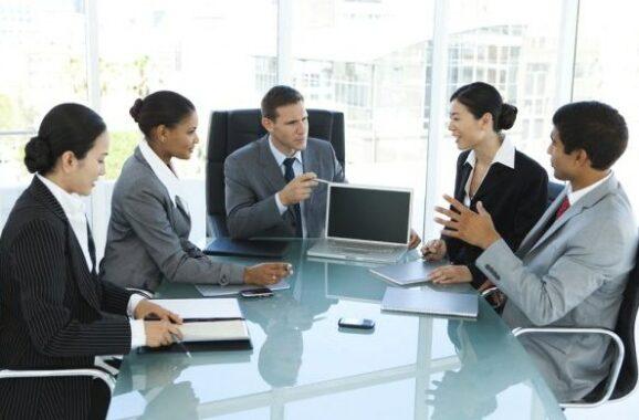 Bisa Menjadwalkan, Bergabung, Serta Memimpin Rapat perusahaan